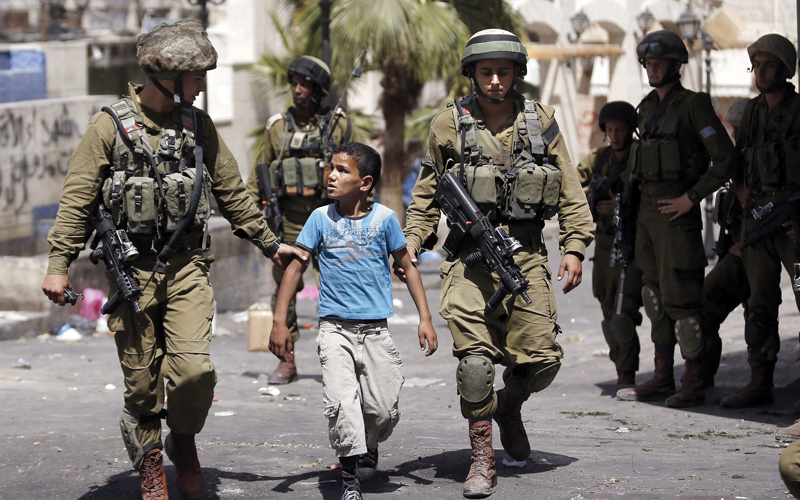 حاجز «أبوالريش».. مصيدة إسرائيل لاعتقال أطفال الخليل