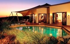 الصورة: فنادق الصحراء.. تجارب سفر لا تُنسى بمعايير ضيافة راقية