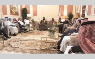 الصورة: شيوخ آل ثاني في اجتماع «إنقــاذ قطر»: قريباً سنكون بالدوحة