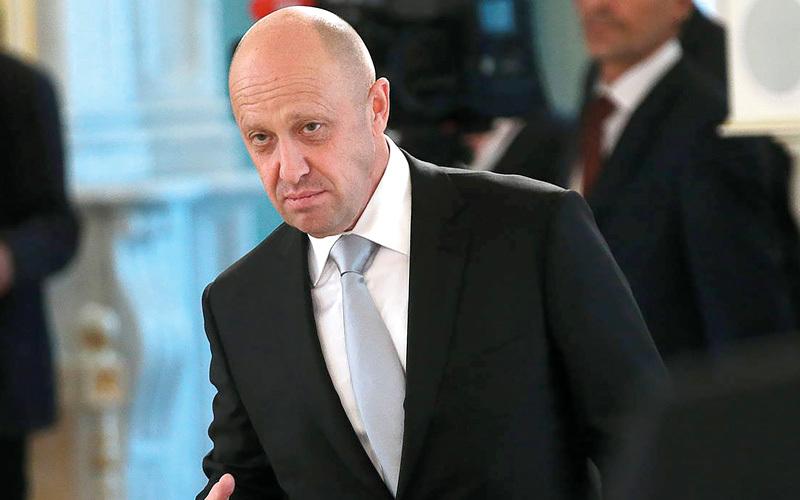 يفغيني بريغوجين.. تلقبه وسائل الإعلام الروسية بـ «طباخ بوتين».
