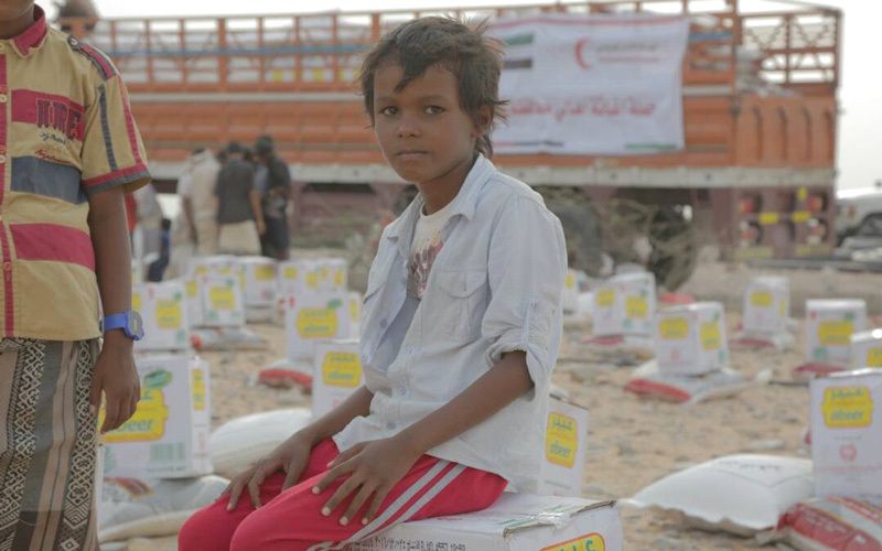 الإمارات تعزّز سجلها الخيري والإنساني في اليمن بـ 2017