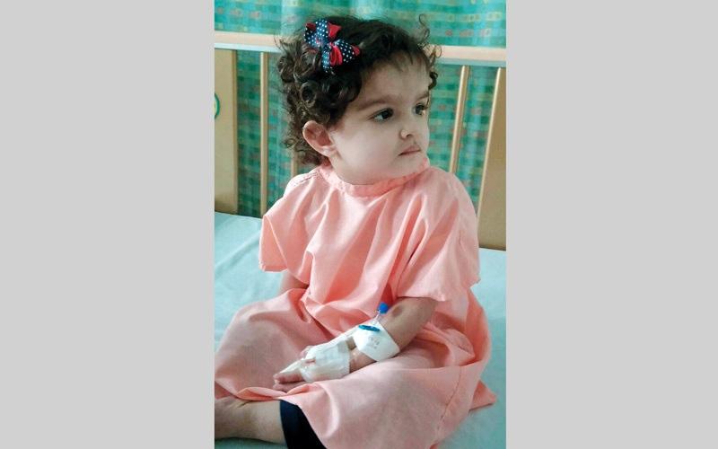 الصورة: رحلة علاج «فوزية» تصطدم بـ 32 ألف درهم مستعجلة