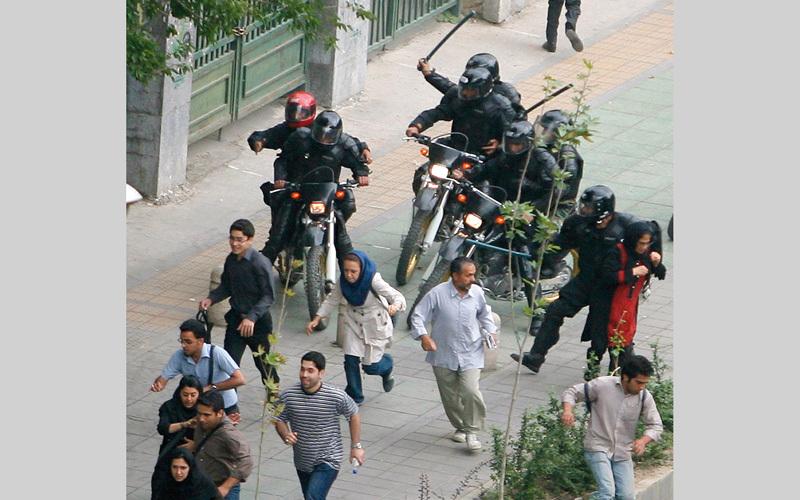 عادة ما تواجه السلطات الاحتجاجات بالقمع.  أرشيفية