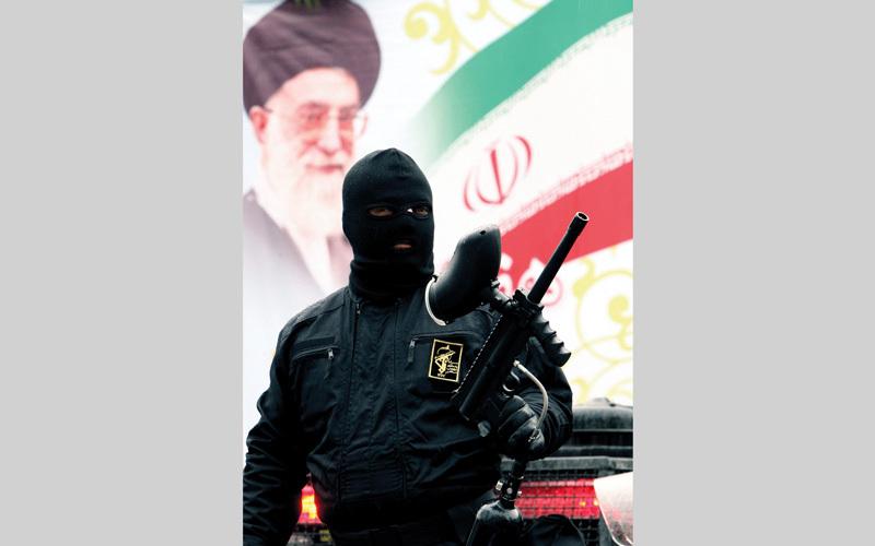 السلطة في إيران تتبنّى القمـع والاستبداد منذ عقود
