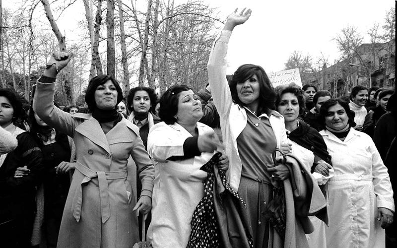 احتجاج نسائي في 1979 ضد قوانين الثورة الإسلامية.  أرشيفية