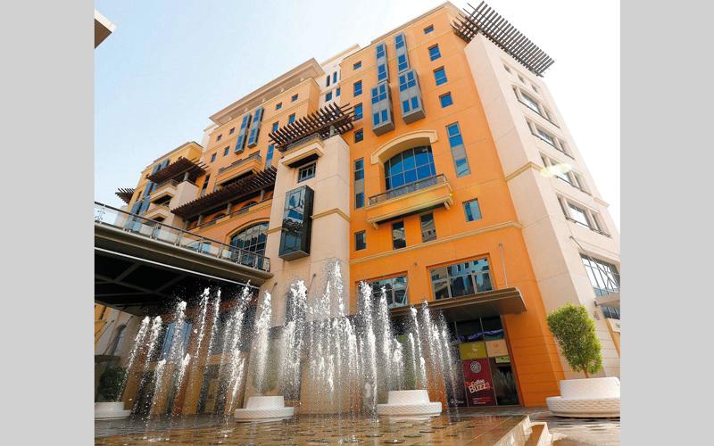 اقتصادية دبي طالبت المستهلكين بالإبلاغ عن أي تجاوز أو عدم التزام بالإجراءات الخاصة بتنفيذ الضريبة. أرشيفية