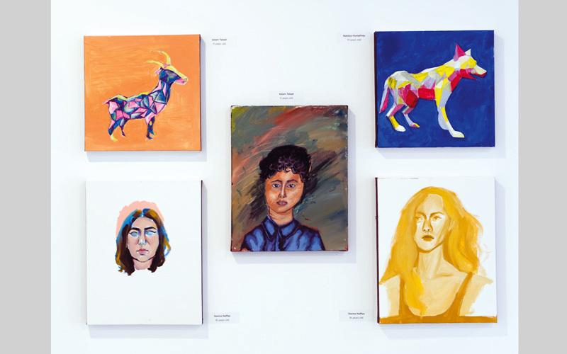 «أكثر من فن».. أطفال يرسمون ويطرزون ويخيّطون