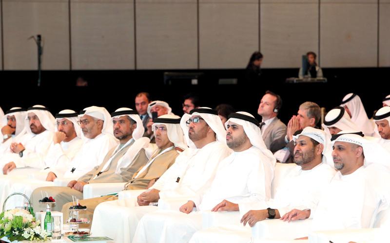 «ملتقى الإمارات للآفاق الاقتصادية» انطلق في أبوظبي بحضور ذياب بن محمد بن زايد. وام