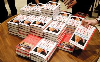 الصورة: ترامب يريد تعديل قوانين التشهير بعد صدور كتاب بشأنه