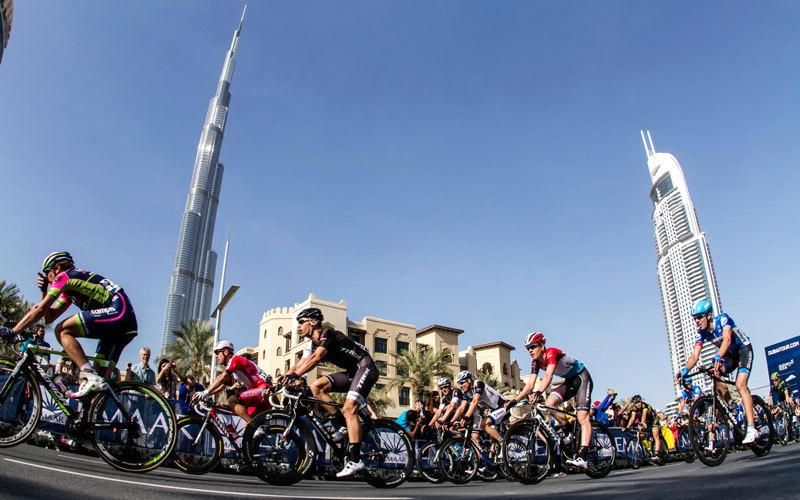 المنتخب وفريق الإمارات للدراجات يشاركان في «طواف دبي» - الإمارات اليوم
