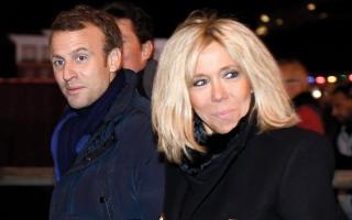 الصورة: الرئيس الفرنسي يكتب رواية يستلهمها من زوجته