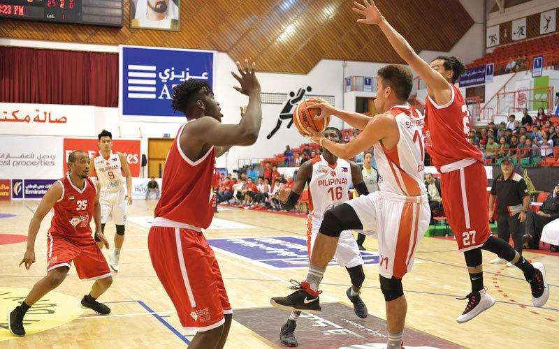 منتخب السلة يعتمد على 3 أجيال مختلفة في «دولية دبي» - الإمارات اليوم