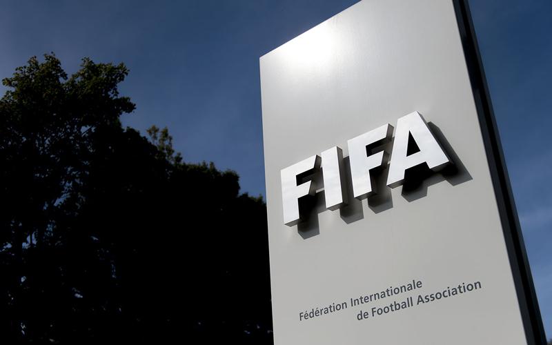 «الفيفا» يشكل لجنة انتقالية لإدارة اتحاد الكرة الكويتي - الإمارات اليوم