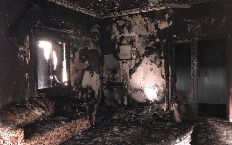 الصورة: شاهد..  جولة داخل المنزل المحترق الذي أودى بحياة 7 أطفال من عائلة الصريدي