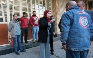 الصورة: أمينة بغداد تريد إعادة بناء مدينتها وتوأمتها مع باريس
