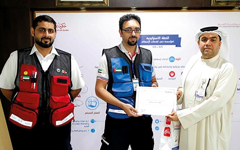 الصورة: «إسعاف دبي» تنقذ طفلاً مواطناً من الموت