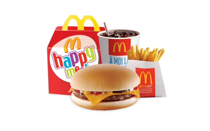 """الصورة: ماكدونالدز تستبعد أحد أنواع الـ """"برجر"""" من وجبات أطفال أميركا"""