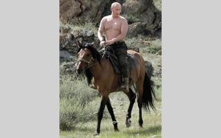 الصورة: «الكرملين» يضطر إلى الإعلان عن إصابة بوتين بالزكام
