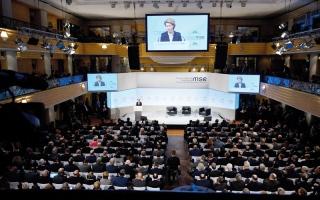 الصورة: طرد طاقم «الجزيرة» من مؤتمر ميونيخ الدولي لمكافحة الإرهاب