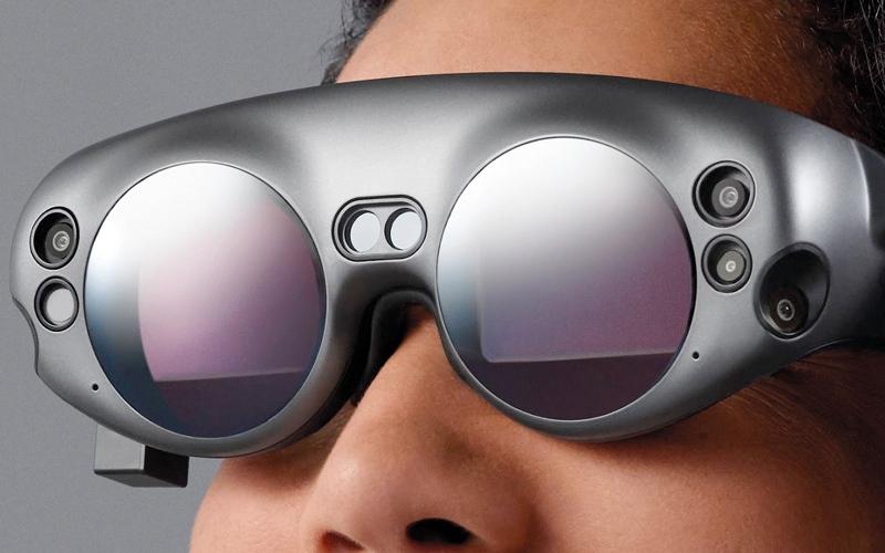 الصورة: تنبؤات تقنية بهيمنة نظارات الواقع المعزز واختفاء الهواتف الذكية