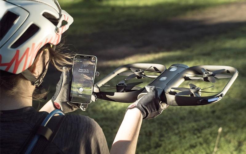 الصورة: شركة ناشئة تكشف عن «كاميرا طائرة» متخصصة في صور الـ «سيلفي»