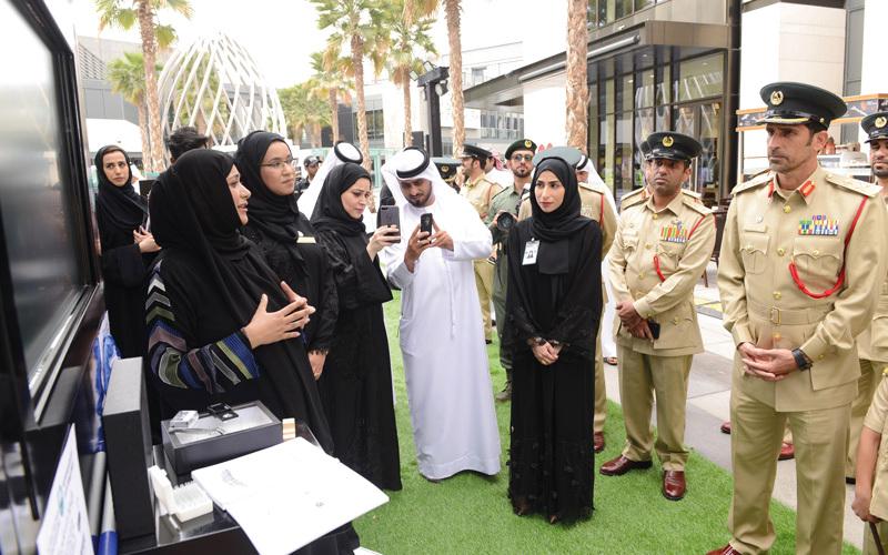 حارس منازل و«عيون» وطائرات ذكية ابتكارات أمنية في دبي - الإمارات اليوم
