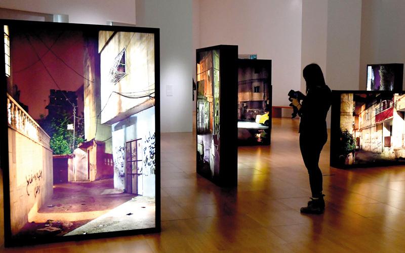 المعرض يسلّط الضوء على أبرز 5 أعمال تركيبية لكلا الفنانين.  تصوير: إريك أرازاس