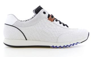 الصورة: «السنيكر» نجم موضة الأحذية الرجالية