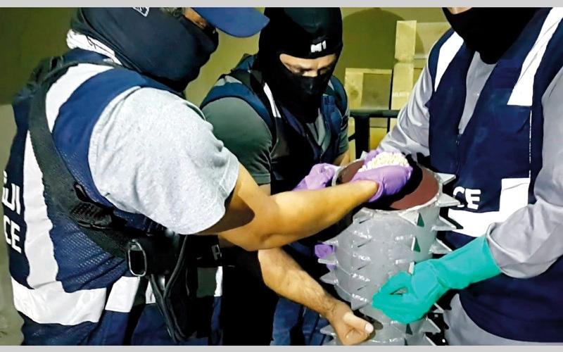 الصورة: «شبكة الموت» تحبط ترويج 1.8 مليون قرص مخدر
