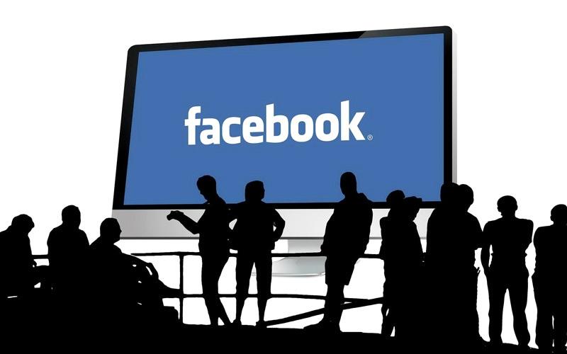 الصورة: «فيس بوك» توقف تجريب وظيفة Explore Feed