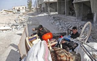 الصورة: أهل الغوطة لم يتخلّوا عن كرمهم وسط الفاقة والعوز