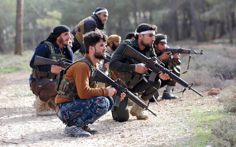 أنقرة تطلب من واشنطن منع نقل مقاتلين أكراد إلى عفرين