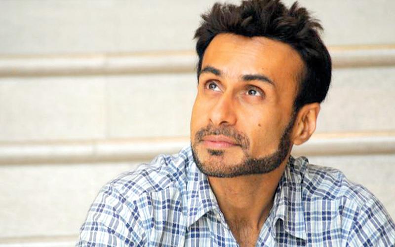 عارف زكريا: «نجوم بوليوود» يستعيد ألق السينما الهندية