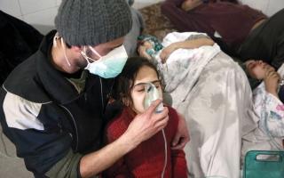 الصورة: النظام يصعّد قصف الغوطة بعـد شطرها.. والأمم المتحدة ترجئ إدخال المساعدات