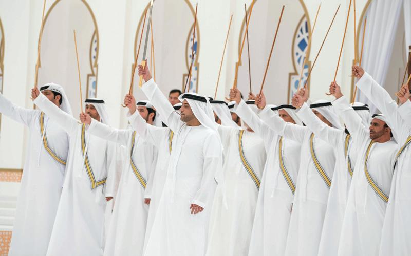 محمد بن راشد ومحمد بن زايد والحكام يشهدون حفل زفاف محمد بن سعود القاسمي و 174 من أبناء الوطن