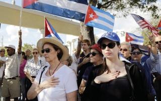الصورة: كوبيون في أميركا يريدون العـودة  إلى بلادهم لاستعادة حقوقهم
