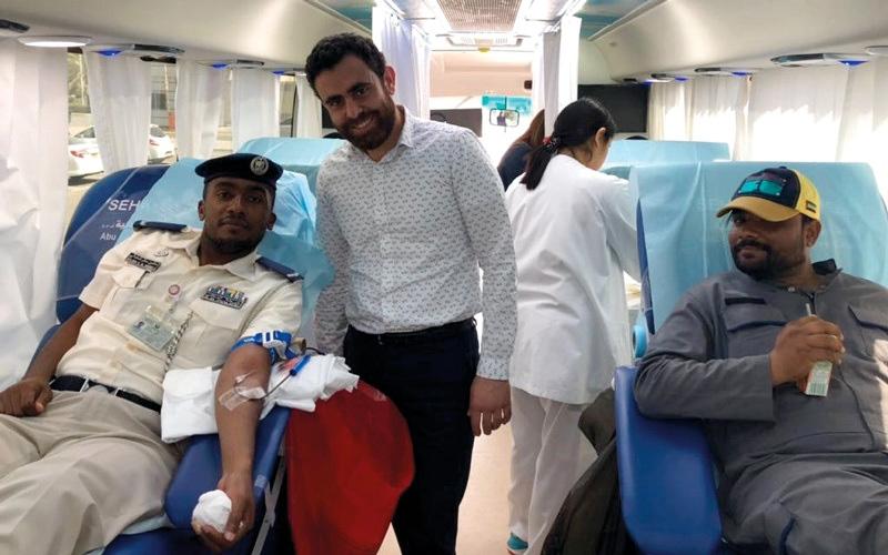 الصورة: «ترخيص أبوظبي» تنظم «دمي فدا وطني»