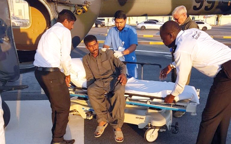 الصورة: «جناح جو رأس الخيمة» ينقذ مصاباً بلدغة أفعى