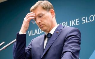 الصورة: استقالة رئيس وزراء سلوفينيا بعد إبطال القضاء استفتاءً