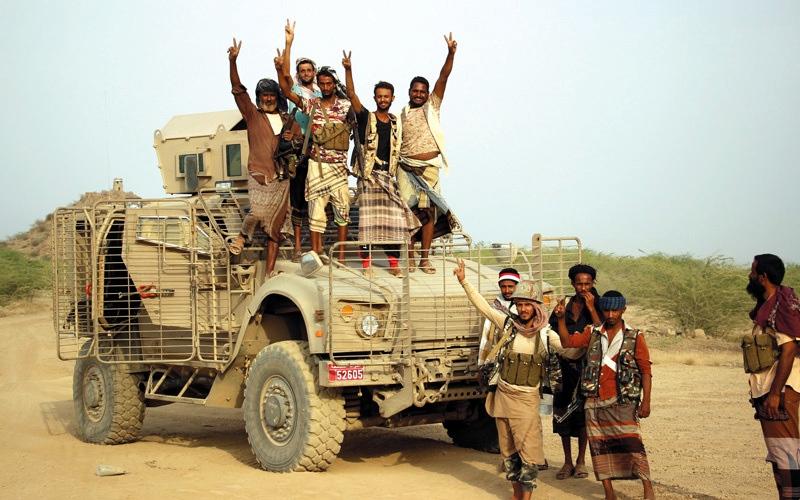 الصورة: بإسناد من قوات الإمارات.. مقاتلات التحالف تدمر معسكراً تدريبياً للحوثيين في الحديدة