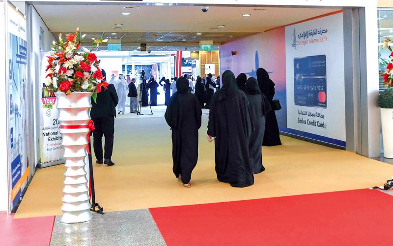 باحثون عن عمل: عدم إتقان اللغة الإنجليزية وقلة الخبرة من عوائق التوظيف -  اقتصاد - محلي - الإمارات اليوم