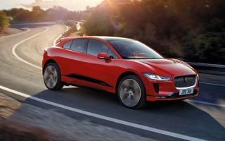 الصورة: «جاغوار» ترفع مستوى التحدّي في السيارات الكهربائية مع طراز «I-Pace»