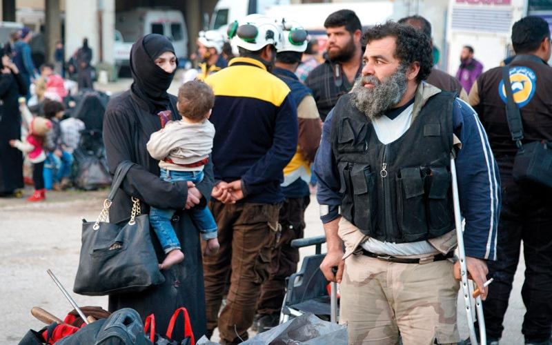 الصورة: اتفاق ثانٍ لإخراج مدنيين ومقاتـلين من الغوطة الشرقية بعد غارات دامية
