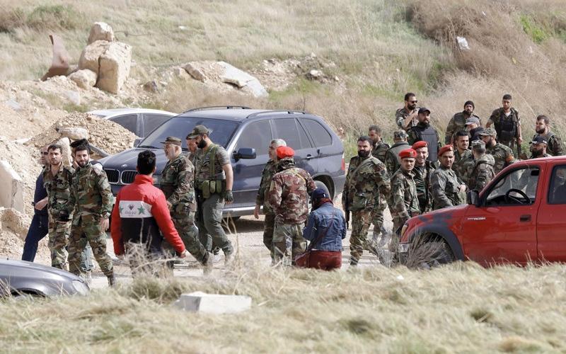 الصورة: قوات النظام السوري تدخل حرستا بعد خروج المسلحين