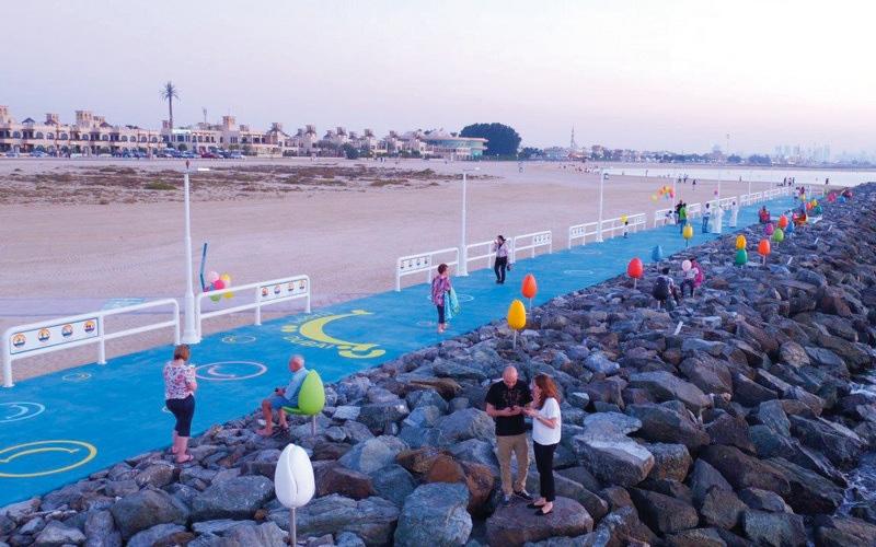 الصورة: منصة السعادة الجديدة في دبي.. صيد ترفيهي وقراءة على الشاطئ