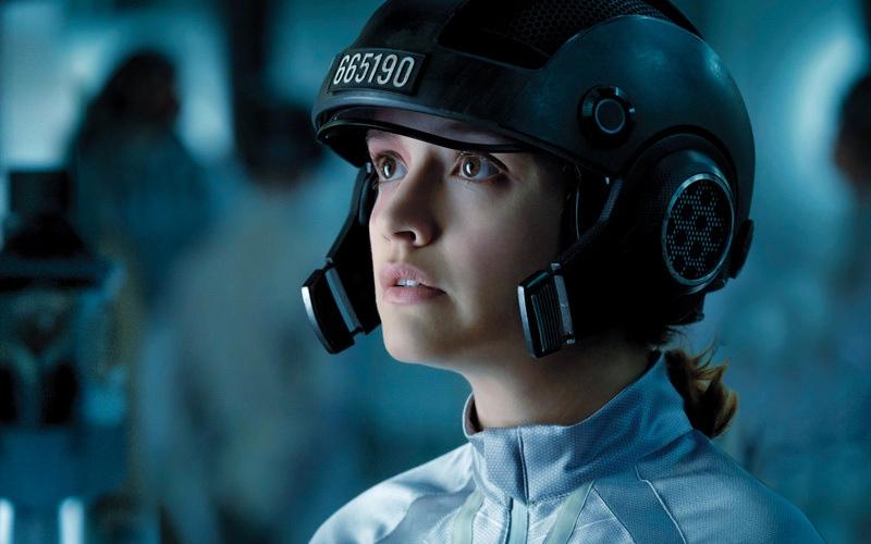 الصورة: «ريدي بلاير وان» يعيد ستيفن سبيلبيرغ إلى سينما الخيال العلمي