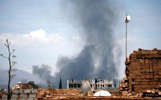 الصورة: التحالف يوجه «ضربة استباقية» للحوثـيين في صنعاء.. والجيش يقترب من مسـقط رأس زعيمهم