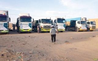 الصورة: وصول 8 شاحنات إغاثة إلى محافظة الجوف