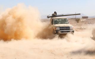 الصورة: الجيش يستعد لتحرير جبهات السـاحل والبيضاء وسط استقدام تعزيزات جديدة