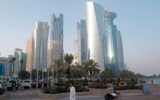 الصورة: ارتفاع كلفة التأمين على ديون قطر يهدّد سندات الدوحة المرتقبة